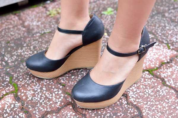 yuri_shoes