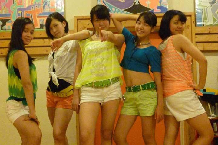 Muke-girls_1