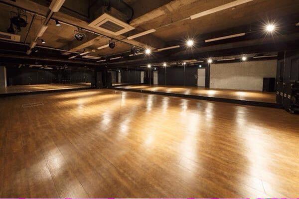 スタジオ ダンス 大阪 レッキン