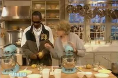 スヌープドッグが料理番組に出演していた! 何とも不思議な光景 でもほっこりする動画に