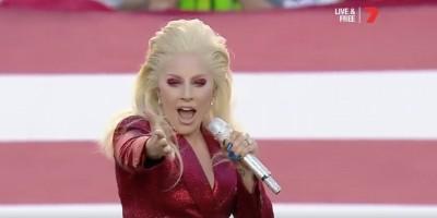歌上手すぎて鳥肌!レディガガの国歌斉唱が歴代最高と話題に