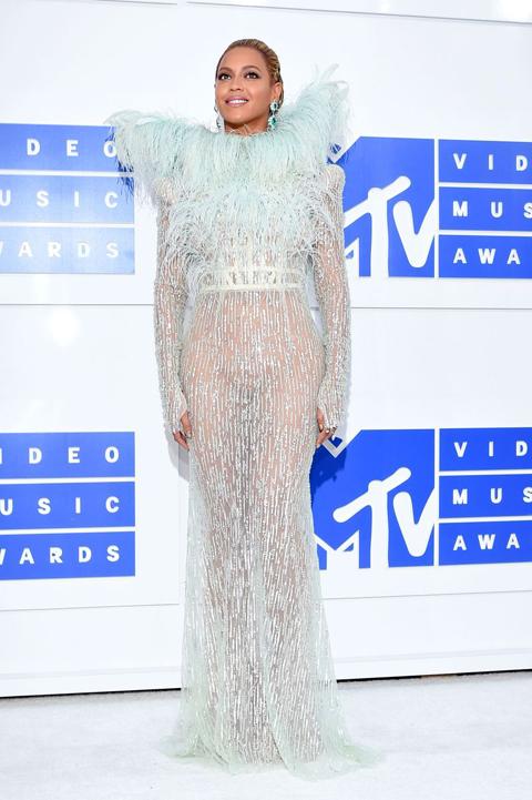 MTVのVMAアワードに現れたトップセレブのファッション9選