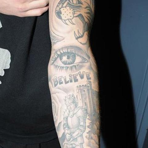海外有名ミュージシャンの間で流行のタトゥーの入れ方とは?