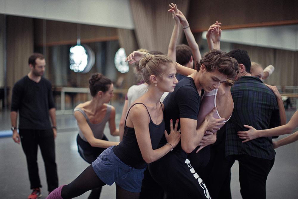 一般試写会5組10名様ご招待 | 『ブラック・スワン』の振付師のバレエ・ドキュメンタリー映画『ミルピエ 〜パリ・オペラ座に挑んだ男〜』