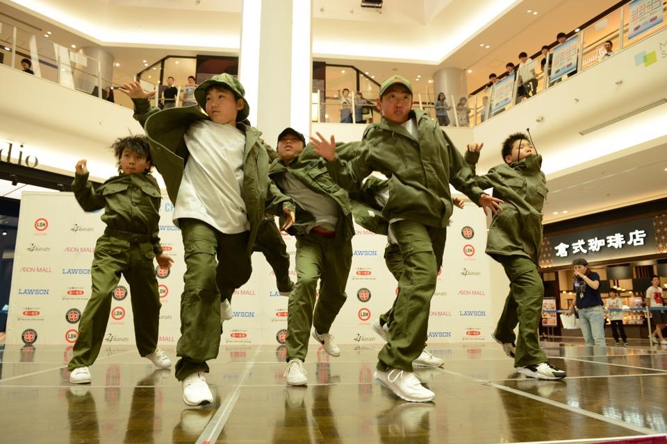 dews_3_DANCE_CoyOtec'K
