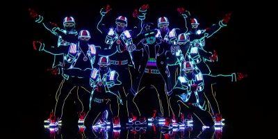 再生回数600万超え!思わずスタンディングオベーション!会場を一気に虜にした光のダンス。