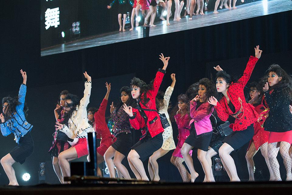 「登美丘高校ダンス部」の画像検索結果